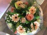 3 - Moederdagontbijt voor Lekkerbekken 2p met boeket bloemen_