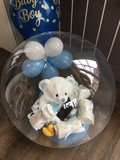 Glossy Globe baby gevuld met pampers_