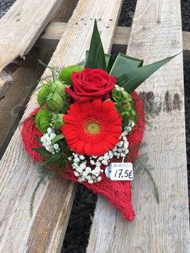 11 - bloemstuk hartje rode tinten