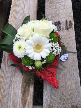 12 - bloemstuk hartje witte tinten