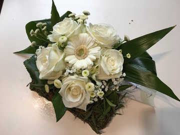 bloemstukje witte tinten