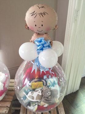 1- Ballon gevuld met pampers voor jongen