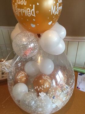 Stuffer ballon voor huwelijk gevuld met geld