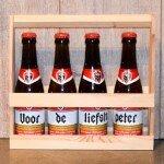 4 gepersonaliseerde jupilers in houten kratje