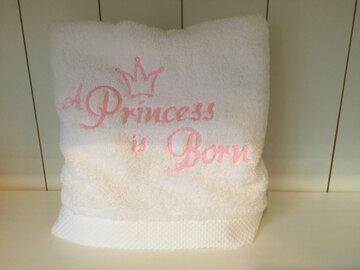 Handdoek wit 50x100cm geborduurd