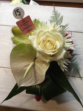 bloemstukje hartje witte tinten