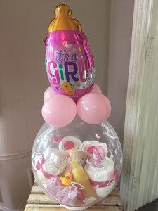 1- Ballon gevuld met pampers voor meisje
