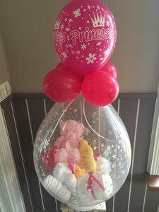 1- Ballon gevuld met pampers Princess