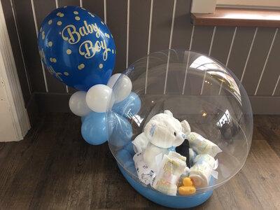 Glossy Globe baby gevuld met pampers
