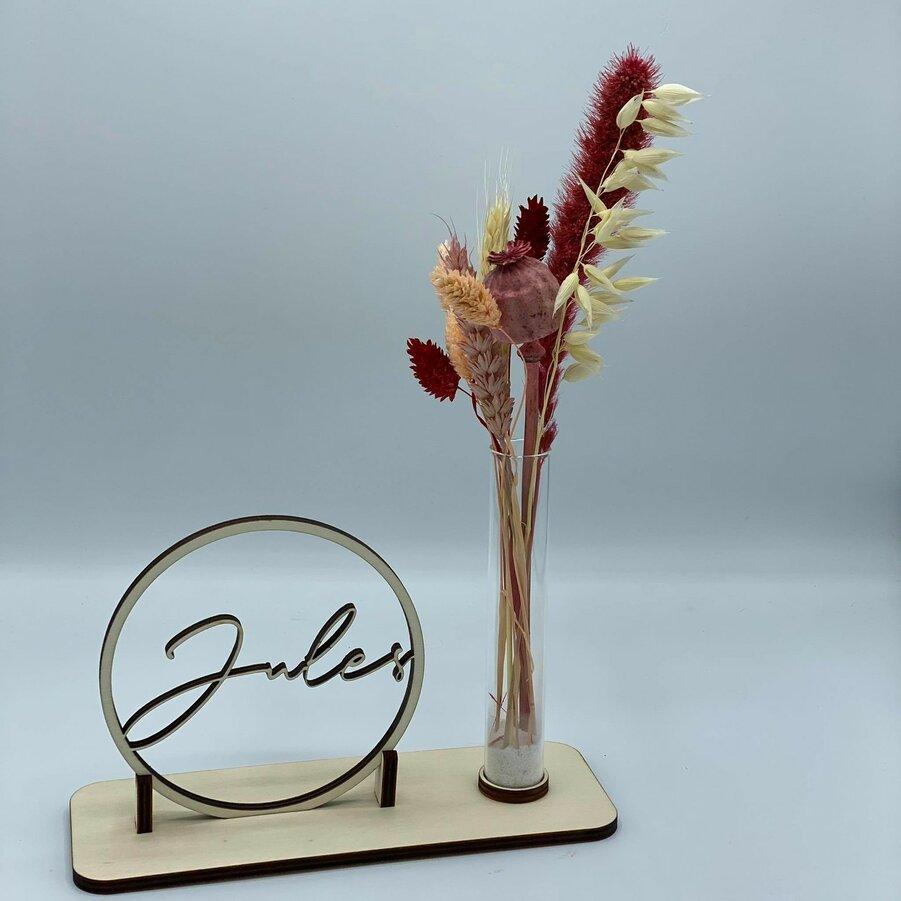 Houten-naamcirkel-met-droogbloemen