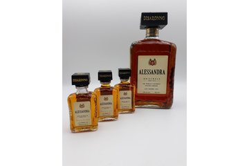 Amaretto mini bottle 5cl met naam