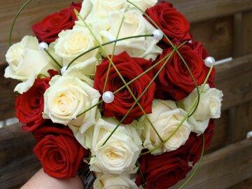 Bruidsboeket rode tinten